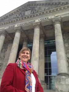 Ich freue mich Bonn in Berlin künftig als Abgeordnete vertreten zu dürfen.